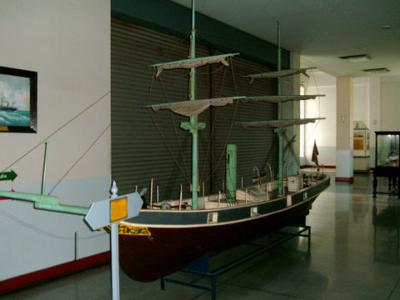 Photo 2 - Model of the royal yacht, Regent in 1871